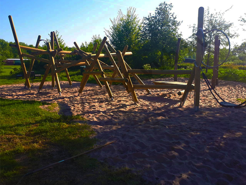 VVB BV Waddinxveen - Kraan Groenvoorziening - Speeltuin Ravottia